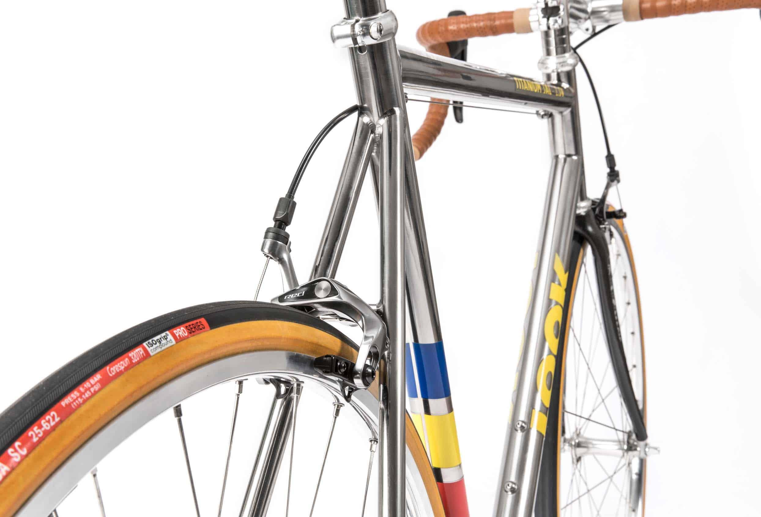 classical_titanium_roadbike_5