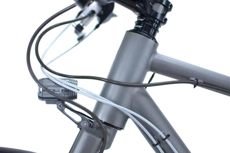 Supernova_E3_Triple-am-Reise-Fahrrad
